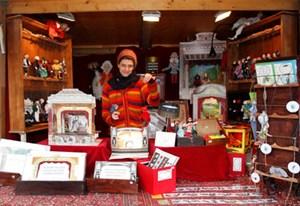Ein Spaziergang über den Weihnachtsmarkt ist wohl die gemütlichste Art, zu Weihnachten noch ein Geschenk zu besorgen.