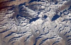 Nicht der Mount Everest: Der vom Kosmonauten Juri Malenschenko aus über 400 Kilometern Höhe aufgenommene Gebirgszug Saser Muztagh im Karakorum.