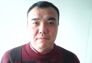 Koichi Nakano ist Professor an der Sophia-Universität in Tokio. Er promovierte in Princeton, hat sich auf Parteipolitik und politischen Wandel spezialisiert und gilt als einer der renommiertesten Politik-Kommentatoren Japans.