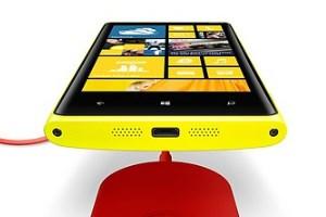 Das Lumia 920 kann drahtlos aufgeladen werden.
