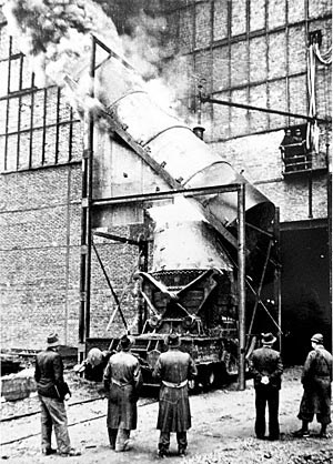 1952 nahm das erste LD-Stahlwerk den Betrieb auf. Die neue Art der Stahlproduktion wurde zum Exportschlager.