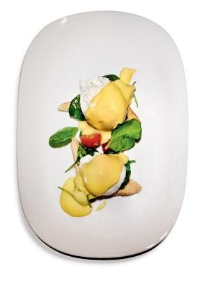 International übliches Programm zwischen Porridge und Eggs Florentine zum Frühstück.