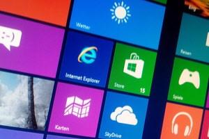 Neue Oberfläche, PC-Markt-Einbruch, Wirtschaftskrise: Die Windows 8-Verkaufszahlen schwächeln.