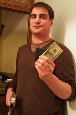 20 Dollar und ein Hammer: Nirenberg bescherte dem Dieb seines iPhones ein Date, an das sich dieser wohl noch länger erinnern wird.