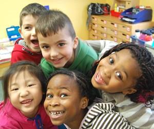 Martin, Chanel, Efe, Davina und Vivian (v. li.) besuchen das letzte Kindergartenjahr.