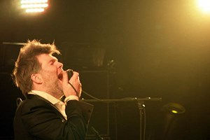 "Live im Madison Square Garden: James Murphy in ""Shut Up and Play The Hits""."