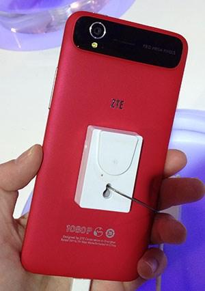 ZTE setzt beim Gehäuse zwar auf Kunststoff, der Unibody wirkt aber gut verarbeitet.