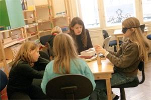 Lernen nach der Montessori-Methode soll nichtdeutschsprachigen Kindern helfen die Sprache zu erlernen, meint Irene Horn.