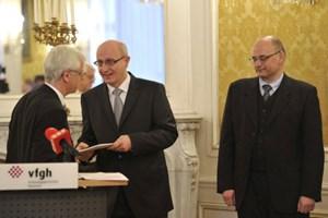 Die Richter Holoubek und Lienbacher müssen VfGH-Präsident Holzinger (v. re.) ihre Gutachtertätigkeit nicht melden.