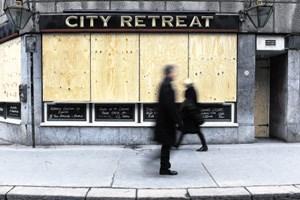 Wenn selbst schon die Pubs - wie hier in London - zusperren müssen, sind die Aussichten wahrlich düster. Großbritannien könnte heuer in die dritte Rezession seit 2008 rutschen.