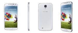 Das Galaxy S4: Rein äußerlich sind auf den ersten Blick nur recht wenige Unterschied zum Vorgänger auszumachen.