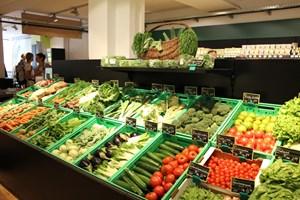 Obst und Gemüse darf in einem veganen Supermarkt nicht zu kurz kommen.