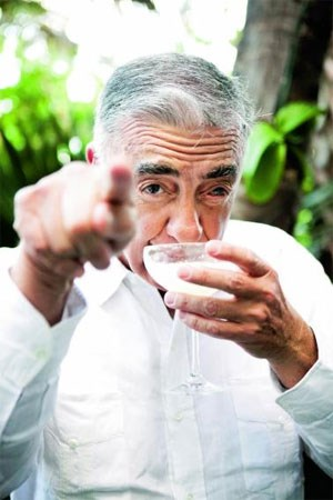 Master Blender José Sanchez Gavito Díaz in seinem Element.