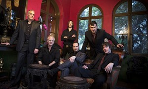 "Greg Dulli (2. v. re.) hat mit den Afghan Whigs das großartige Album ""Do To The Beast"" aufgenommen."
