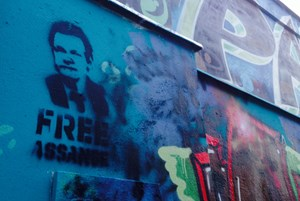 """Free Assange""-Graffiti in Wien"