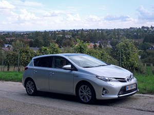 Der Auris Hybrid in voller Pracht.