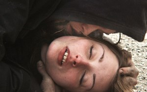 "Sehr nah dran am Junkieleben in New York: Überlebenskünstlerin Harley (Arielle Holmes) und ihre ""mad love"" Ilya (Caleb Landry Jones) in ""Heaven Knows What"" von den Safdie-Brüdern."