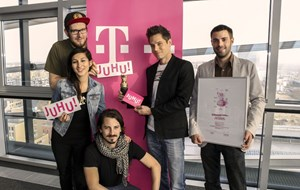 V.l.n.r.: Florian Rieder (AD, Grafikdesign), Claudia Pisch (Beratung),  Adam Tubak (AD, Animationsdesign), Bernhard Forst (Online Marketing) und Christoph Szüts (Key Account Manager).