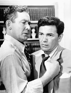 "Ein Film über ein korruptes System: John Garfield (re.) in Abraham Polonskys Film noir ""Force of Evil""."