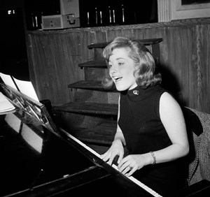 "Lesley Gore in den 1960ern. Damals eroberte sie die Welt mit Songs wie ""It's My Party"" oder ""You Don't Own Me""."