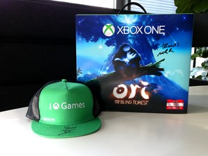 "Die Xbox One mit ""Ori and the Blind Forest"" - signiert von Thomas Mahler"