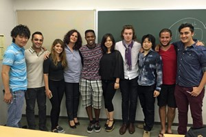 "Parissa Haghirian (Vierte von links) mit ihren Studenten aus dem Kurs ""Management in Japan""."