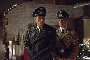 "Für ""The Man in the High Castle"" greift Amazon in den USA zu umstrittenen Werbesujets."
