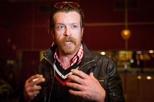 Die Eagles of Death Metal spielen am Dienstag in Paris.