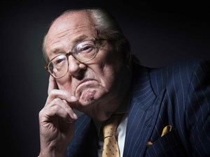 Jean-Marie Le Pen, Rechtsextremist, ist traurig.