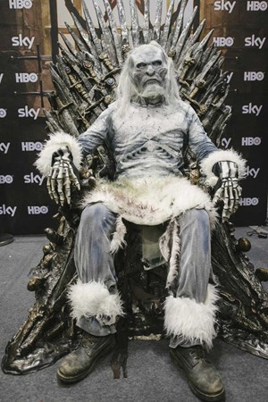 "Der Eiserne Thron aus ""Game of Thrones"" kommt nach Wien."