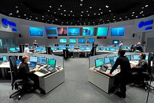 Der Hauptkontrollraum des European Space Operations Centre heute...