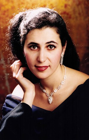 Virtuose Pianistin:Milana Chernyavska.