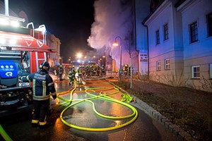 Vollbrand in einer Pizzeria im Stadtzentrum Hollabrunns.