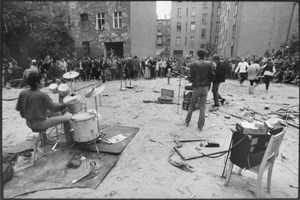 Die Band Rosa Extra in Prenzlauer Berg, 1982.
