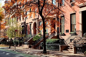 Traditionelle Brownstone-Häuser in Brooklyn.