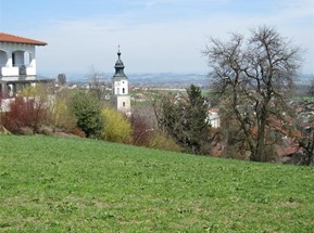 Blick auf Kirchturm