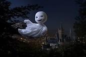 Das Gespenst will die Welt nicht nur nachts sehen