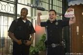 Justin und Ryan spielen echte Cops