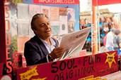 Zahnarzt Michel (Christian Clavier) findet am Flohmarkt eine Jazz-LP