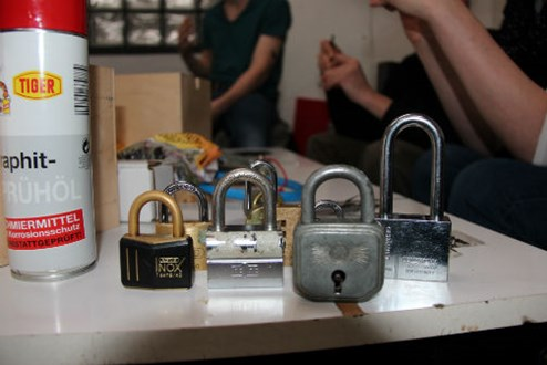 lockpicking wie analoge hacker schl sser knacken it security web. Black Bedroom Furniture Sets. Home Design Ideas