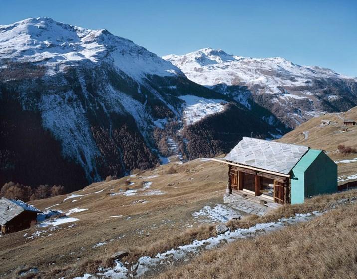 traumh user in den alpen wie auf den bergen gewohnt wird architektur stadt derstandard. Black Bedroom Furniture Sets. Home Design Ideas