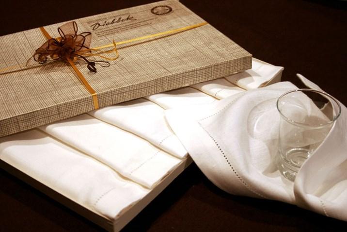 sch ne weihnachtsgeschenke sterreichischer hersteller weihnachten lifestyle. Black Bedroom Furniture Sets. Home Design Ideas