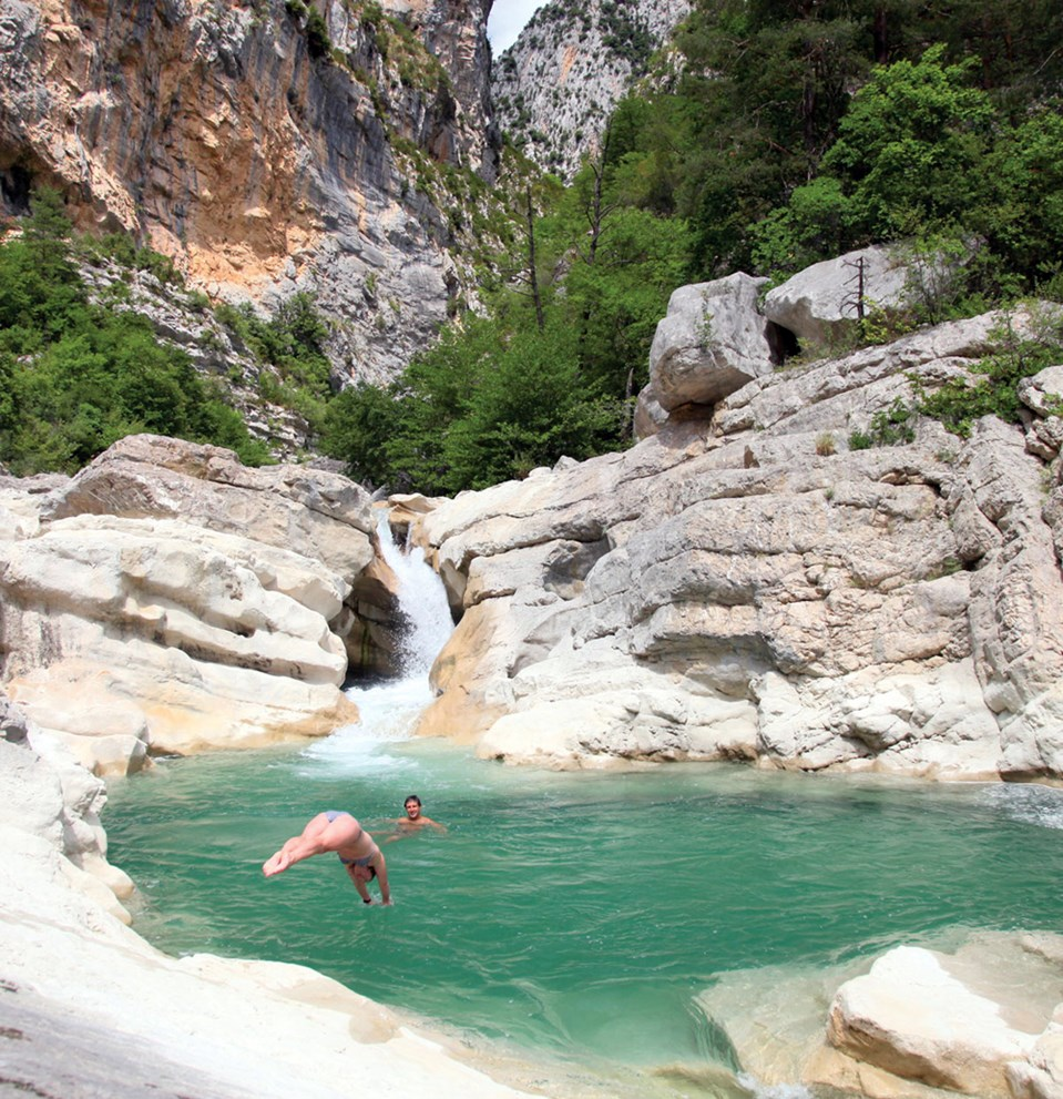 Wild swimming frankreich planschen abseits bekannter for Camping avec piscine dans les gorges du verdon