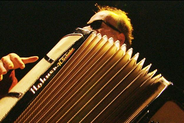 http://images.derstandard.at/t/M625/movies/2004/6334/170528100031120_10_accordion-tribe_aufm04.jpg