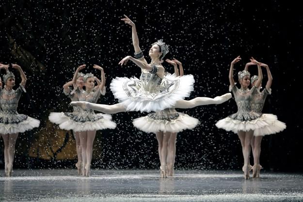 http://images.derstandard.at/t/M625/movies/2009/13287/170315223141048_15_la-danse-das-ballett-der-pariser-oper_aufm2.jpg