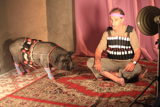 http://images.derstandard.at/t/M625/movies/2011/12814/160223120048286_11_das-schwein-von-gaza_aufm2.jpg