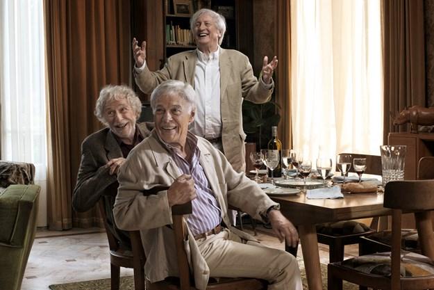 http://images.derstandard.at/t/M625/movies/2011/16060/160503223126706_7_und-wenn-wir-alle-zusammenziehen_aufm4.jpg