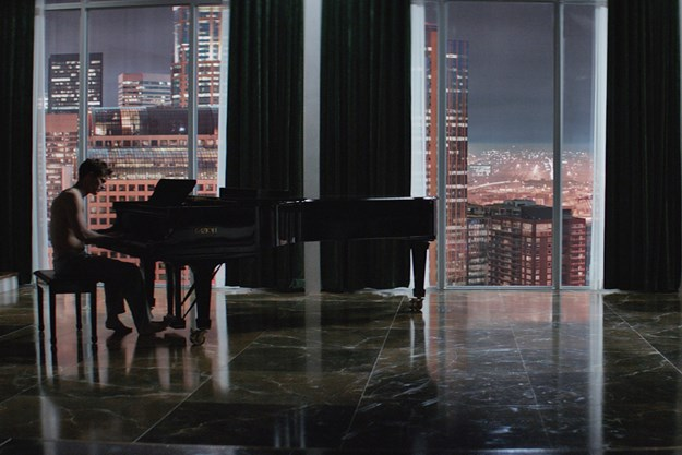 http://images.derstandard.at/t/M625/movies/2015/18340/160224223055990_8_fifty-shades-of-grey_aufm04.jpg
