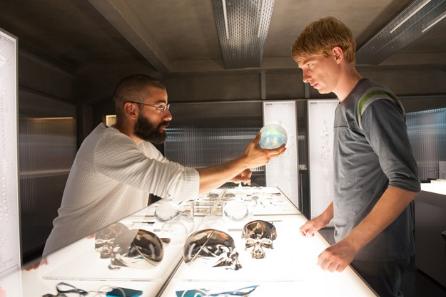 http://images.derstandard.at/t/M625/movies/2015/20092/160803223130135_8_ex-machina_aufm02.jpg
