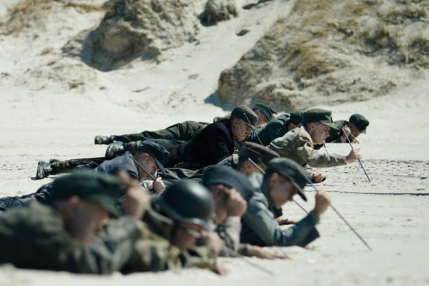 http://images.derstandard.at/t/M625/movies/2015/22955/160316223101911_7_unter-dem-sand-das-versprechen-der-freiheit_aufm02.jpg